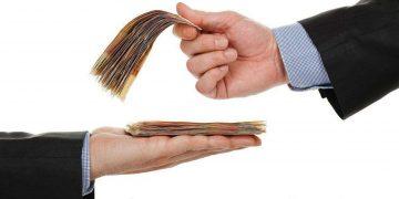 قبل از قرض دادن پول به دیگران این ۵ اصل ضروری را رعایت کنید